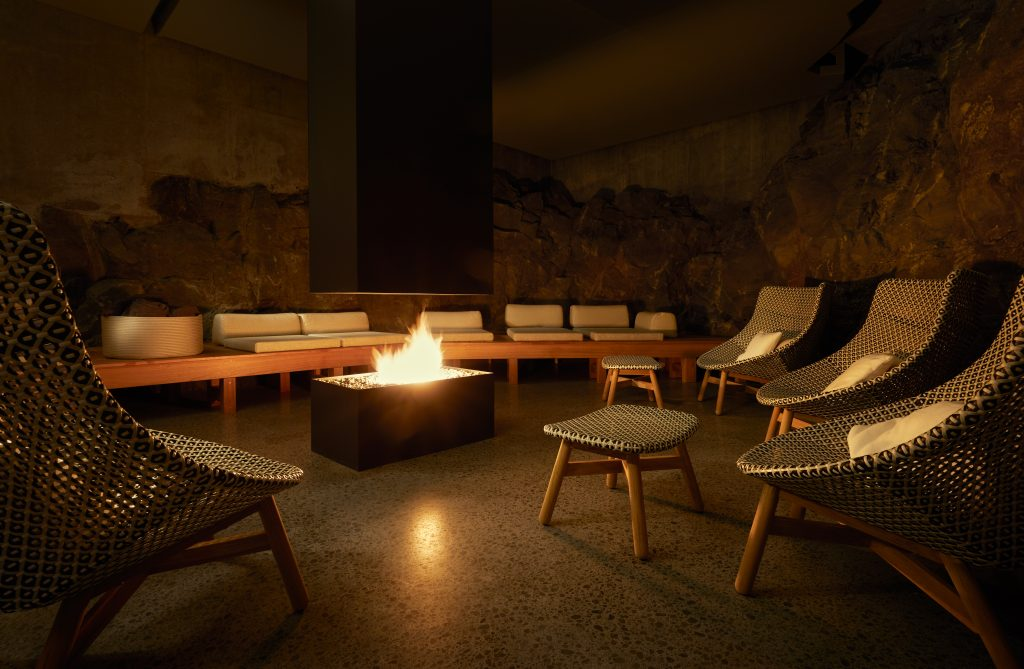 Retreat_Spa_Fire_room