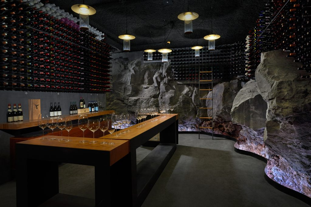 Retreat_Wine_cellar_wine_tasting